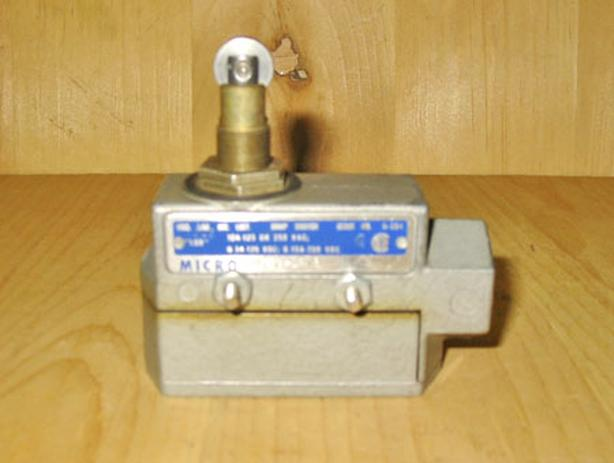 MICRO SWITCH DTE6-2RN80 Snap Action Limit Switch (10A @ 125/250VAC) ~ Rare!