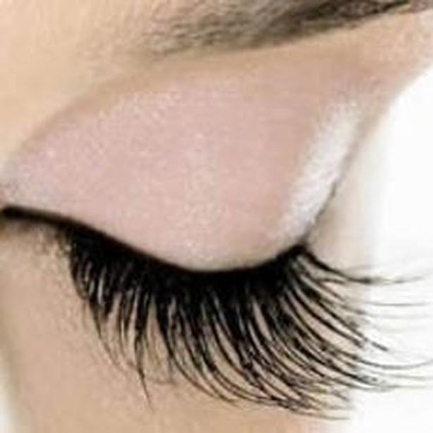 CLASSIC EYELASH EXTENSION 60$ COLLAGEN LASH LIFT& TINT 45$ COTE DES NEIGE