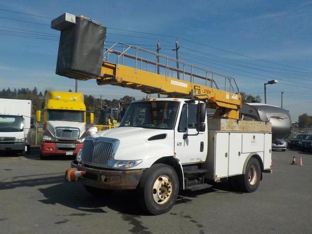 2002 International 4300 Bucket Truck Diesel with Generator and Air Brakes