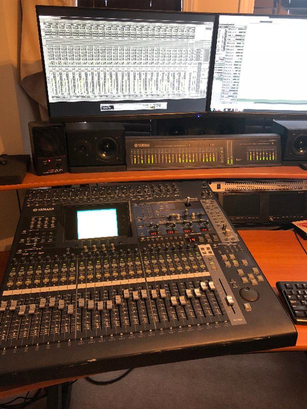 YAMAHA 02R96 DIGITAL MIXING / RECORDING CONSOLE W/ METER BRIDGE