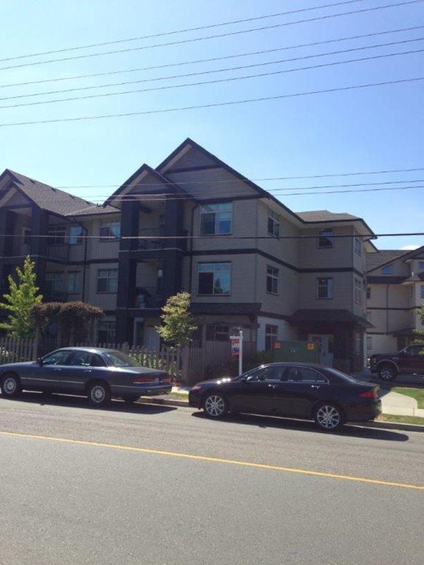 #101 – 2115 MEREDITH ROAD: 2-bedroom, 2-bath ground level condo.