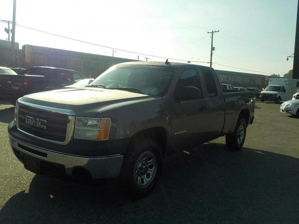 2009 GMC Sierra 1500 Work Truck Ext. Cab Short Box 2WD