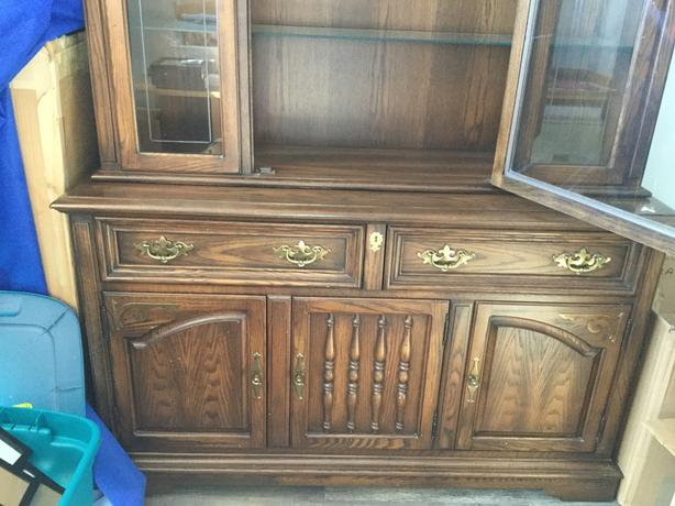Oak Dining Room Hutch Buffet Table And Chairs