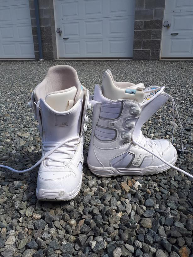 Women's Burton Snowboard Boots - ONLY USED ONCE
