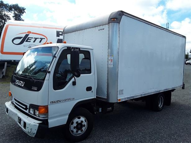 2005 ISUZU CARGO NPR, Diesel engine! powered rear lift gate! loaded unit!