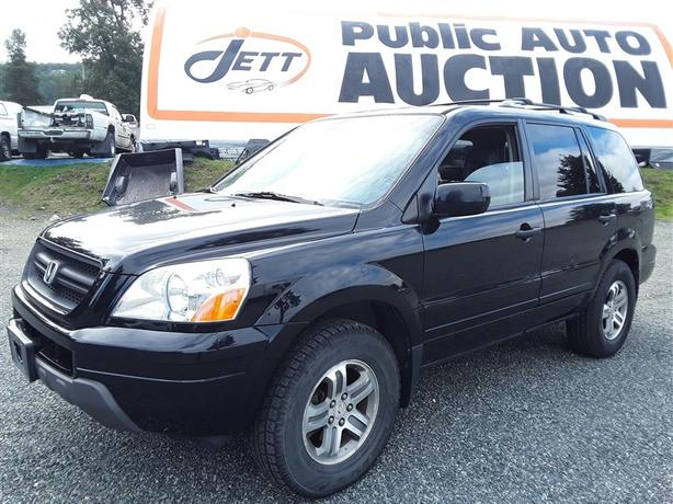 2003 HONDA PILOT 8 seating unit Great for a family! AWD for winter!