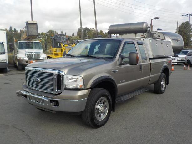 2007 Ford F-350 SD XLT SuperCab Long Box 4WD Diesel with Canopy and Air Compress