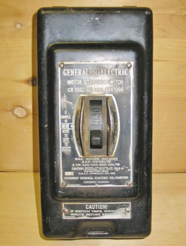 GENERAL ELECTRIC CR1062-C2 Manual Motor Starter (1-3PH, 3-5HP, 600V) ~ Rare!