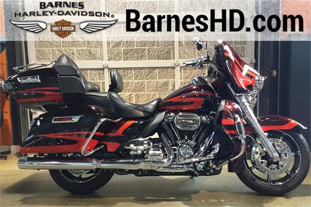 2017 Harley-Davidson® FLHTKSE - CVO™ Limited