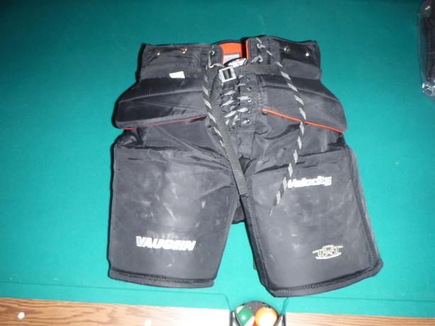 Vaughn 7400 SR Goalie Pants