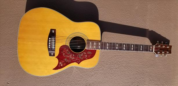 Yamaha FG-300 Acoustic guitar early 70's vintage