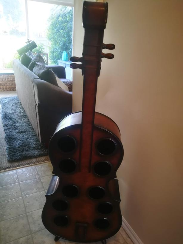 Cello-shaped Wine Rack