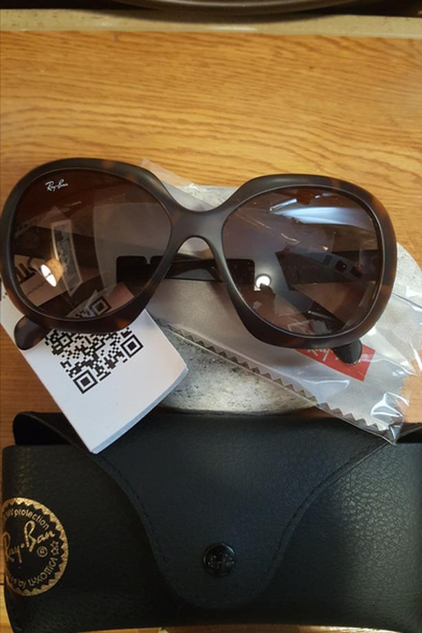 Brand NEW Ray Ban Oversized Frame Sunglasses