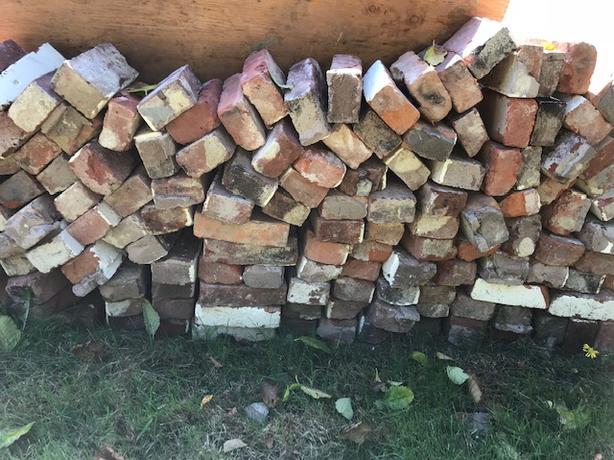 Used Bricks
