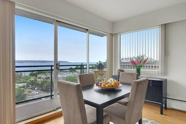 Ocean Views, Washer/Dryer, 2BD West Vancouver Sub-Penthouse!