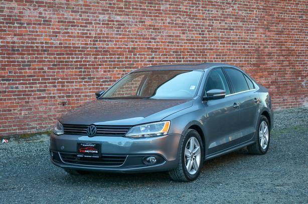 2011 Volkswagen Jetta 2.5L Sedan - LEATHER SEATS!