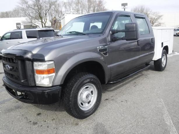 2010 Ford F-350 SD XL Crew Cab 4WD Service Box