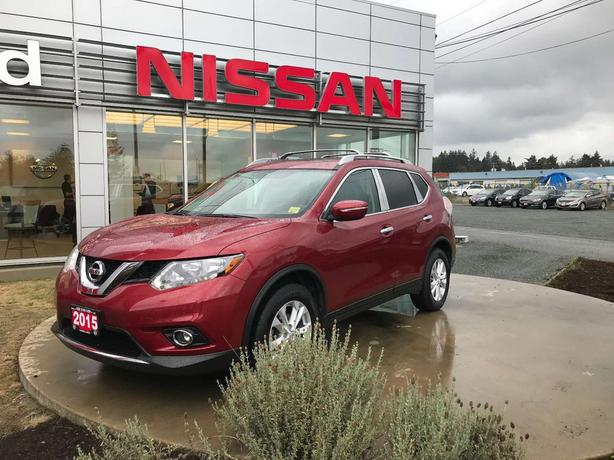 2015 Nissan Rogue SV * Moonroof *Leather