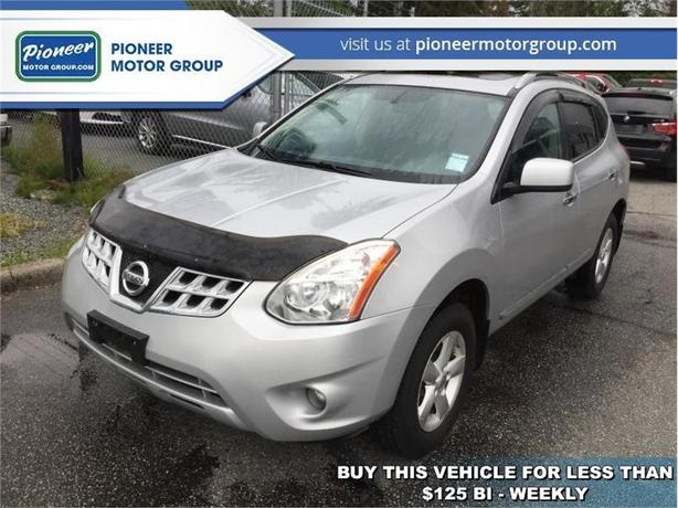 2013 Nissan Rogue S  - Sunroof -  Navigation -  Leather Seats - $111.35 B/W