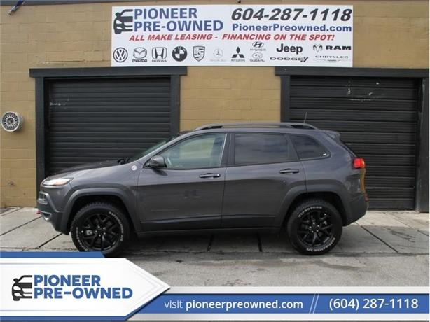 2017 Jeep Cherokee L Plus Pkg  - Leather Seats