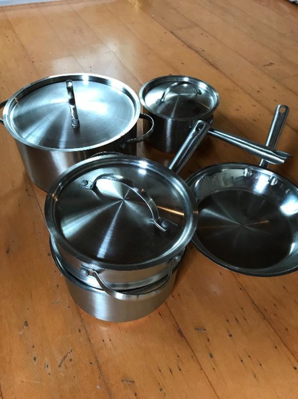 Cookware (8 piece)