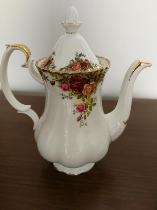 Old Country Roses Coffee Pot