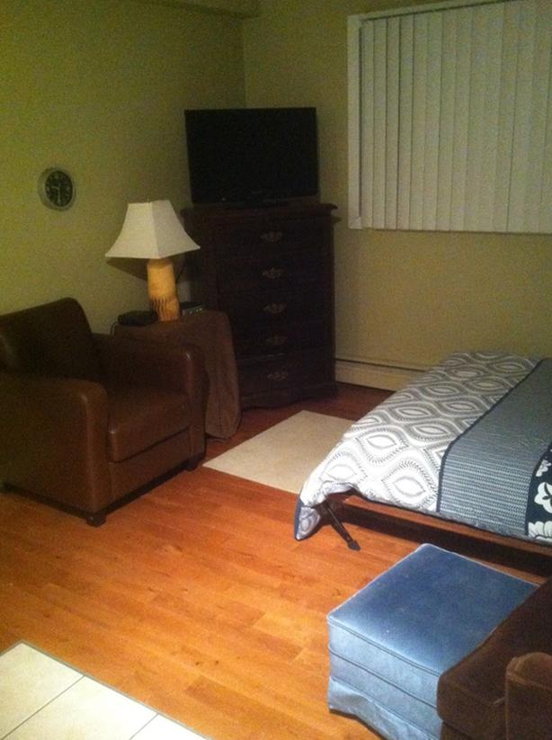 Cathedral Fully Furnished Bachelor Condo Oct. 21st