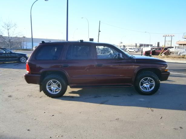 2003 DURANGO R/T 4X4 LOADED 3RD ROW SEATS.  COMMAND START
