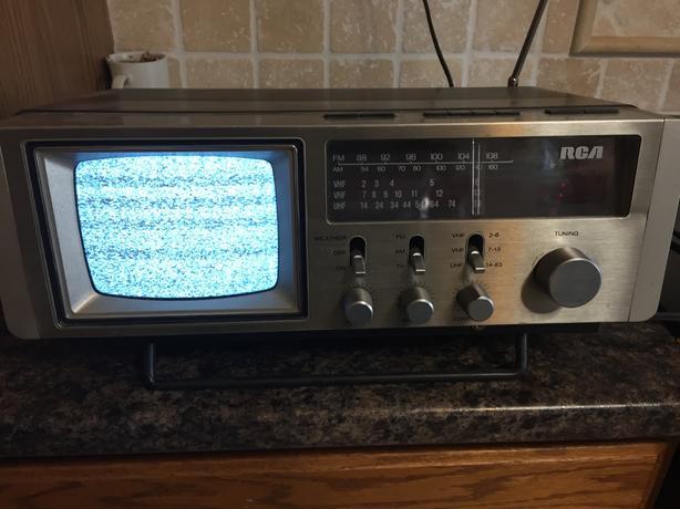 RCA TV/RADIO UNIT