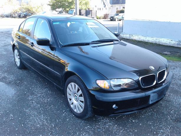 2005 BMW 3 Series 4dr Sdn RWD 320i