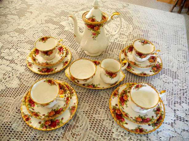 Royal Albert Old Country Rose Coffee serving set