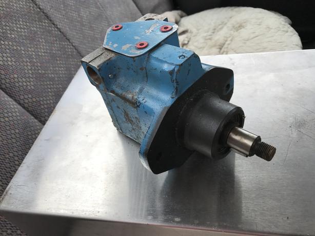 FACTORY REBUILT 1800 PSI VICKERS HYDRAULIC PUMP