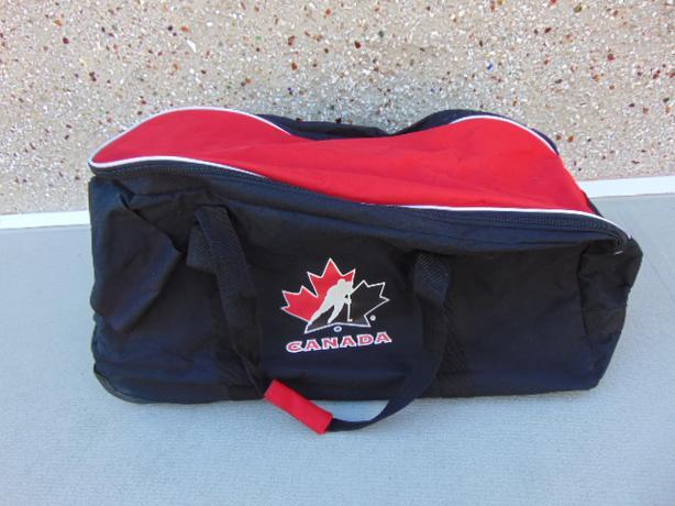 5593b0c5e32 Hockey Bag Junior Size Team Canada On Wheels Excellent Victoria City ...