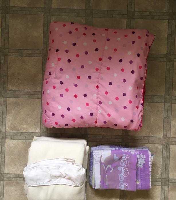 Twin Comforter & Sheet Sets