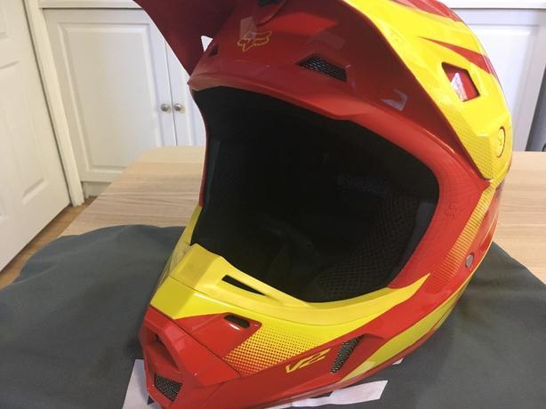 Fox V2 helmet size small