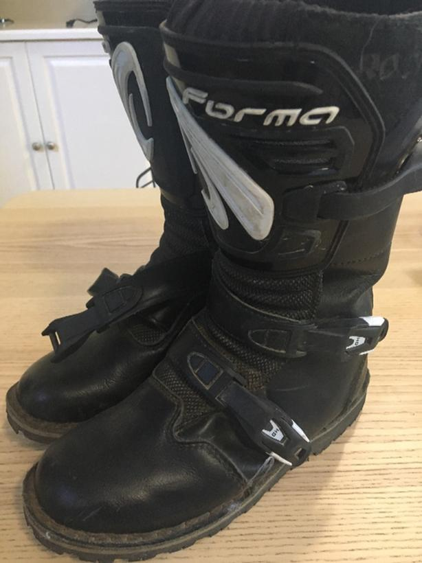 Forma trials boots size 38
