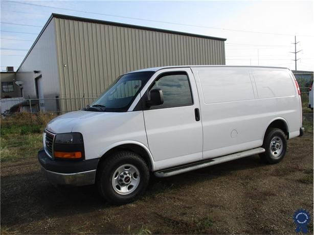 6d2771233f 2016 GMC Savana Cargo Van Outside Central Alberta