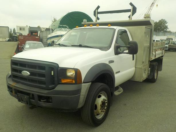 2007 Ford F-450 SD Regular Cab 2WD Diesel Dump Truck