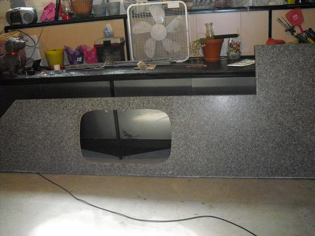 FREE: Kitchen counter