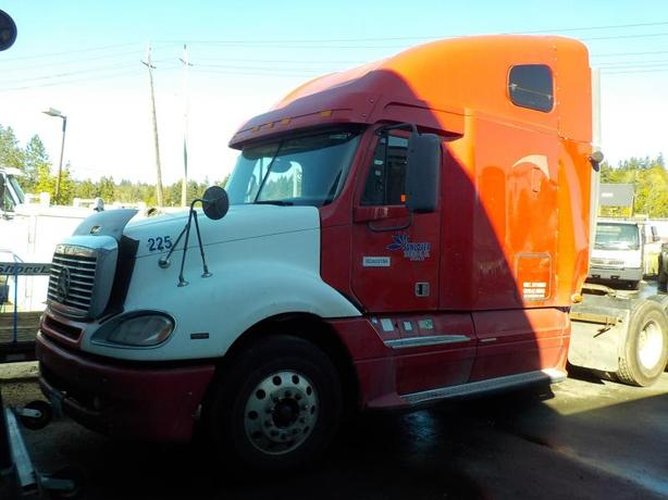 2007 Freightliner Columbia 120 Highway Tractor with Sleeper Cab Manual