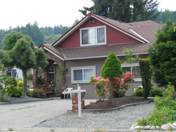 In-law Suite  Safe, Quiet, Good Neighbourhood (Ladysmith