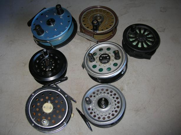 VINTAGE SINGLE & DOUBLE ACTION FLY FISHING REELS.   (038 3610)