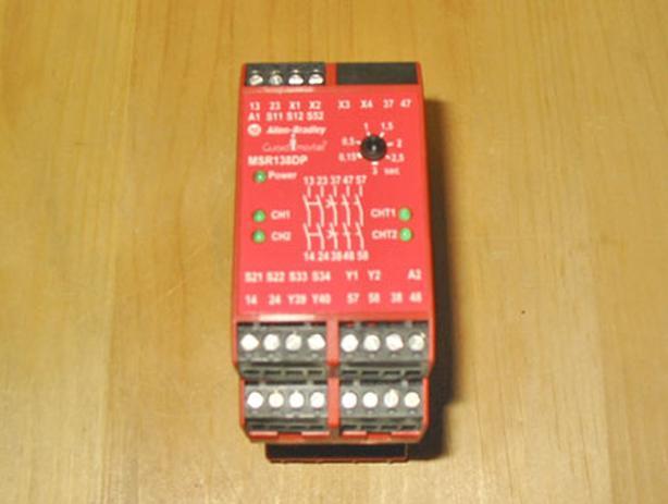 ALLEN-BRADLEY GUARDMASTER MSR138DP Monitoring Safety Relay (440R-M23141) ~ Mint!