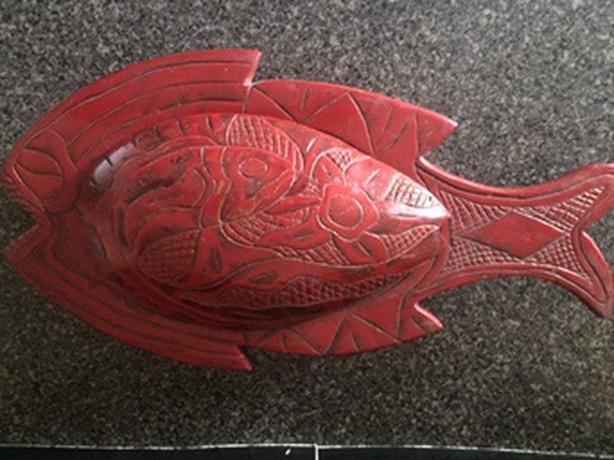Wood carved fish serving bowl