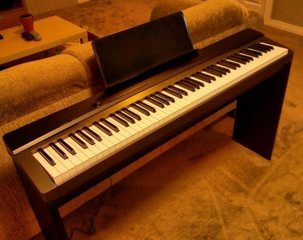 Casio Privia PX130 88-Key Digital Keyboard