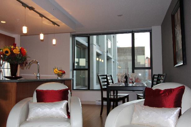 The City Center View Suite 2BD (queen+double) + 2BA + Den