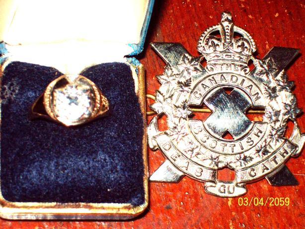 ROYAL CANADIAN SCOTTISH ARMY OFFICERS CAP BADGE RING