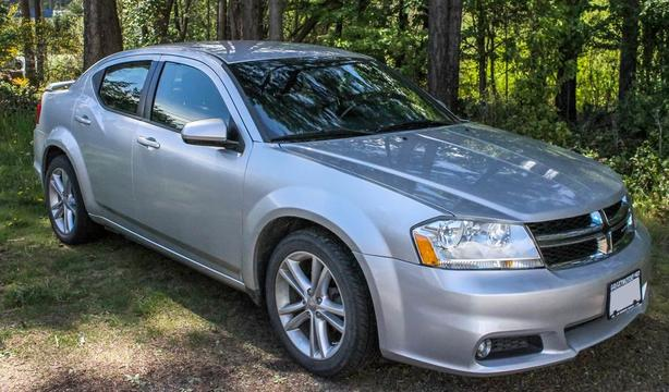 LOW KMs 2011 DODGE AVENGER LOADED HEATED SEATS PRIVATE SALE SAVE SAVE