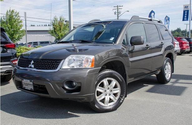 2011 Mitsubishi Endeavor SE, Leather, Sunroof, Alloy Rims
