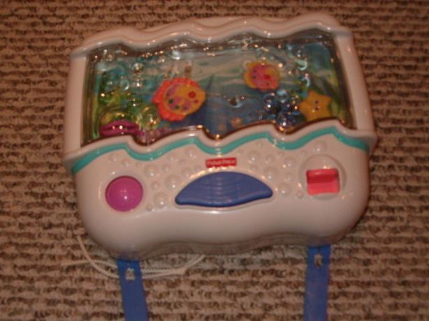 Fisher price ocean wonders aquarium music crib toy
